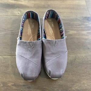 Toms Womens 7 New without tags.